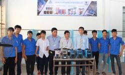 Niềm vui của thầy trò trường Cao đẳng Nghề Tây Ninh khi đón nhận tài trợ máy hàn điện tử từ công ty Hồng Ký