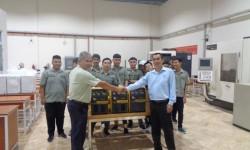 Thầy trò trường Cao đẳng Nghề Nha Trang nhận bàn giao máy hàn công nghiệp do HỒNG KÝ tài trợ