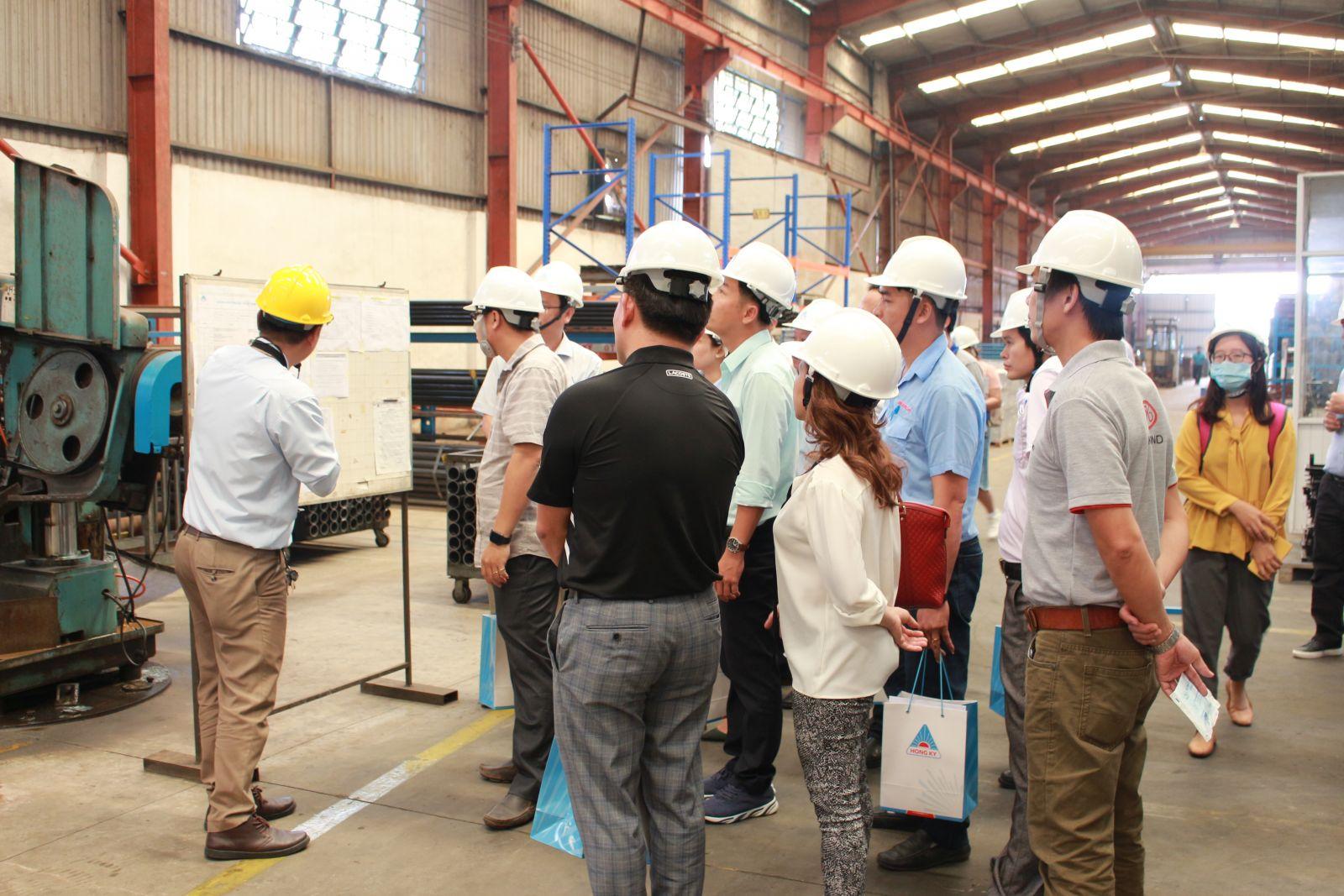 Hội thảo do BIFA (Hiệp hội chế biến gỗ tỉnh Bình Dương) phối hợp cùng dự án SCORE (ILO) và Công ty Hồng Ký tổ chức